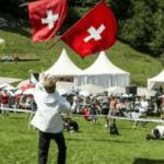 La Svizzera approva il salario minimo da record: 3.800 euro al mese per i lavoratori