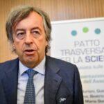 """Ora il San Raffaele lo scarica: """"Burioni non conosce la realtà"""""""