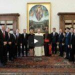 """Papa Francesco annuncia: Vaticano entrerà in una """"alleanza globale"""" con le grandi banche mondiali"""