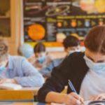 Vaccino, entro l'estate 2021 dovranno farlo anche gli studenti. Il nodo dell'obbligatorietà