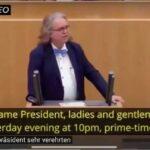 Parlamentare tedesco: è un vaxxino killex!