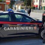 Professore senza mascherina in classe, preside chiama i carabinieri