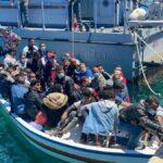 Migranti, oltre 2.000 persone approdate a Lampedusa nella notte