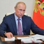 Putin contro vaccino obbligatorio: la vaccinazione «è una scelta volontaria di ogni persona»