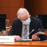 Covid: ministro degli interni tedesco Seehofer positivo dopo la prima dose Pfizer