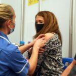 In Inghilterra 42 morti di Covid, la metà erano stati vaccinati
