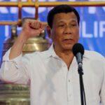 Presidente delle filippine: scegli o ti vaccini o ti faccio arrestare, chi rifiuta verrà inoculato con un antiparassitario usato per i maiali