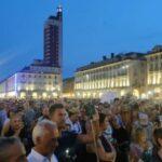 'No green pass', 'No green pass', in migliaia protestano in centro a Torino