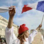 """Da lunedì in Francia serve il """"Green Pass"""" per fare quasi tutto"""