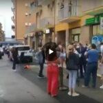 Cori, lanci di uova e cartelli: Speranza assalito dai manifestanti
