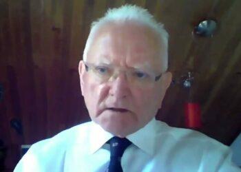 """Dr Roger Hodkinson: """"I vaccinati sono persone innocenti che vanno al massacro"""""""