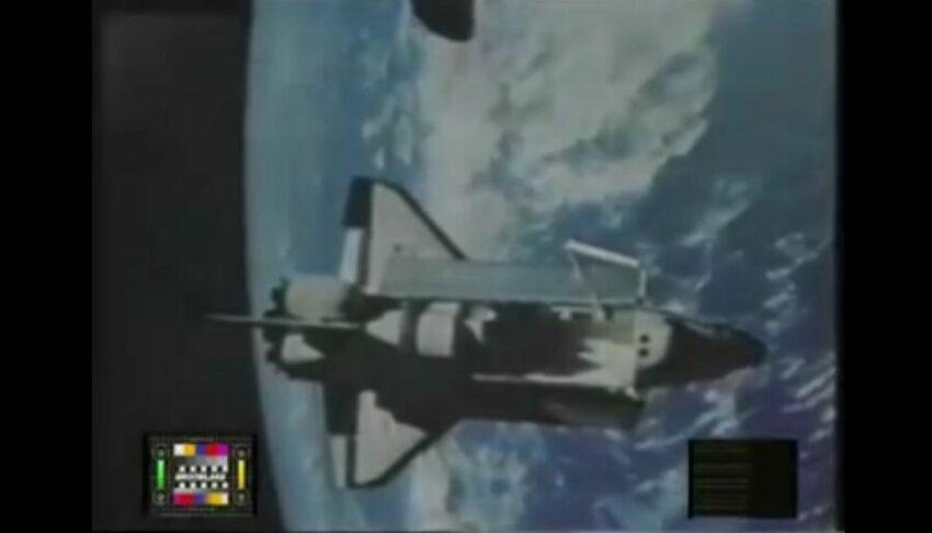 Le missioni lunari furono bloccate dagli extraterrestri a causa dei propositi bellici degli americani