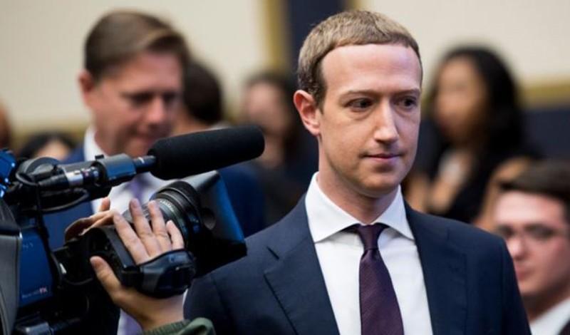 Usa: scandalo Cambridge Analitica, Facebook avrebbe pagato 5 miliardi di dollari per uno scudo legale per Zuckerberg