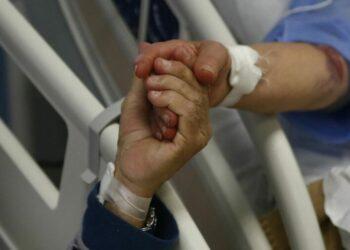 Friuli, tutto in poche ore: moglie e marito vaccinati ma uccisi dal Covid, strazio in corsia