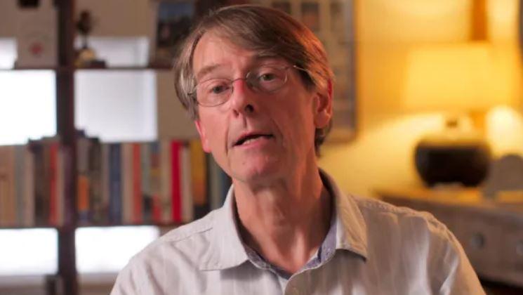 Ex vicepresidente e direttore scientifico di Pfizer dott. Mike Yeadon,  lancia un forte avvertimento all'umanità