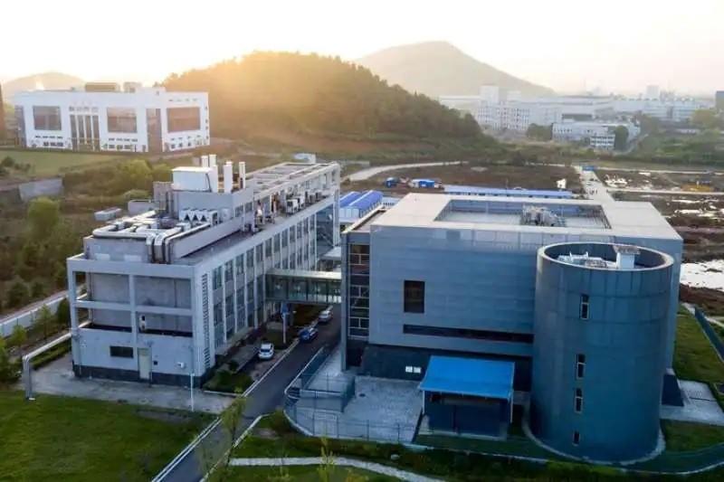 26 dei 27 scienziati che negavano la teoria sull'origine in laboratorio del Sars-Cov-2 avevano collegamenti con i ricercatori di Wuhan
