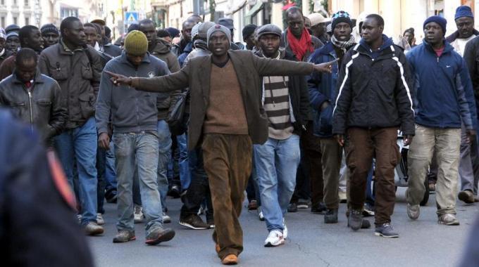 L'allarme di Draghi sui migranti : trattiamoli bene o diventeranno nostri nemici