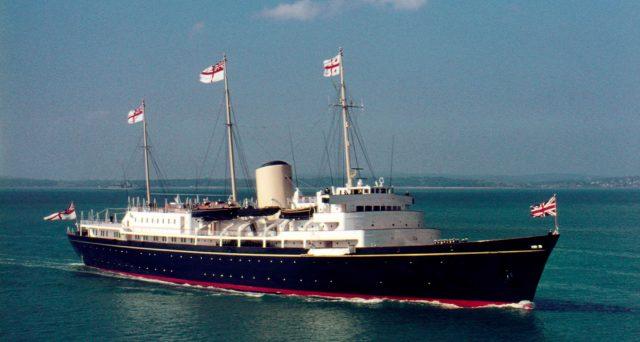 Che cosa faceva il Britannia, panfilo della regina Elisabetta, nel porto di Civitavecchia il 2 giugno 1992?